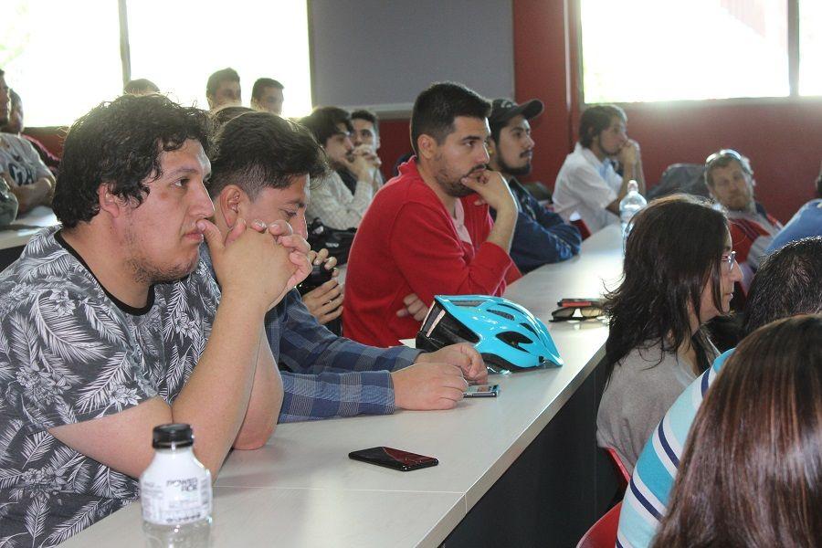 """Con éxito se llevó a cabo primer encuentro de """"Participación ciudadana para una nueva democracia"""" en el Campus Miraflores"""